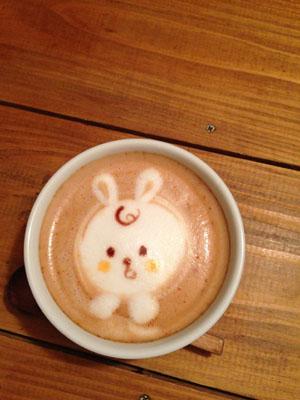 絵本のようなカフェ「ハティフナット吉祥寺のおうち」