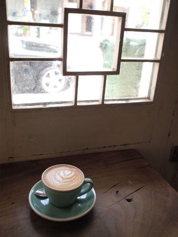 シンガポールのハードなカフェ 再成發五金