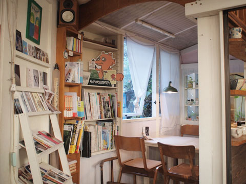 仙川のカフェ・ニワコヤ