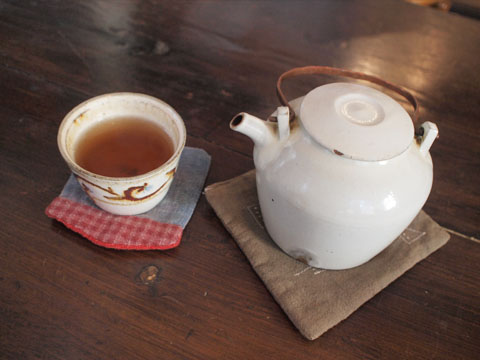 ニワコヤの黒豆ほうじ茶