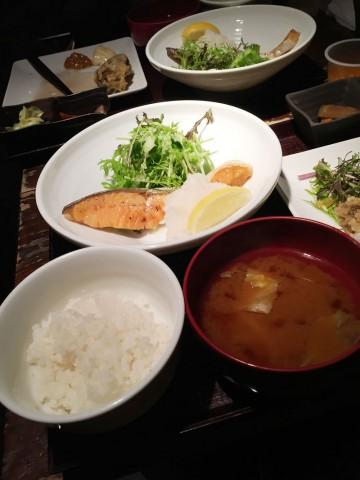 渋谷の春秋 文化村通店で有機野菜食べ放題ランチ
