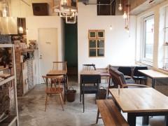 新宿のお洒落カフェcafe WALL